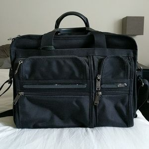 ❤️Well Loved Tumi Laptop Bag❤️